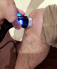 鵞足炎の治療の様子